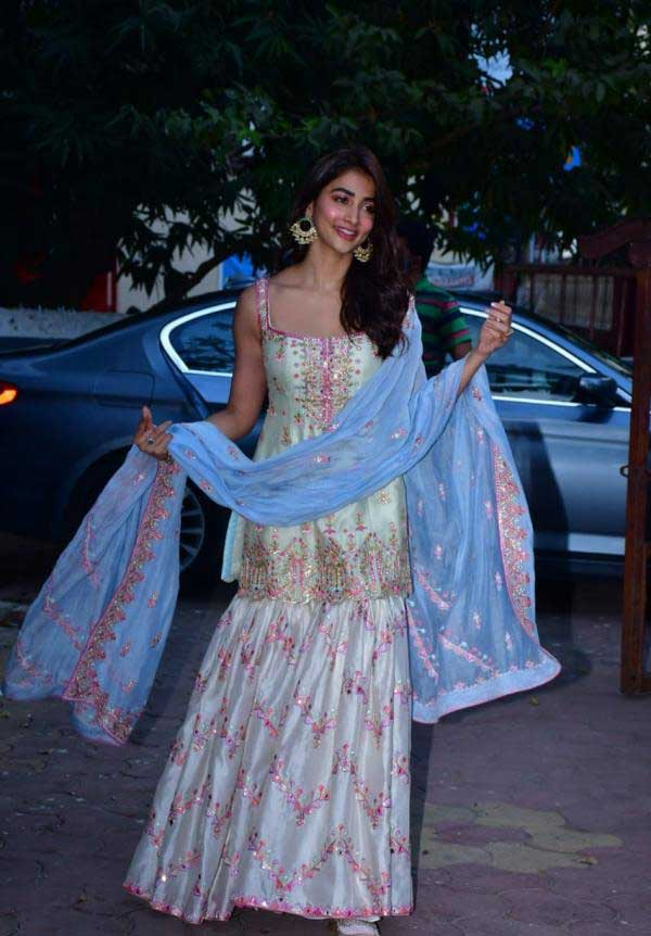 Pooja Hegde Latest Gallerys