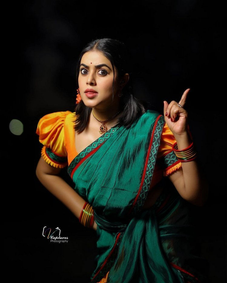 Poorna Gorgeous Photos
