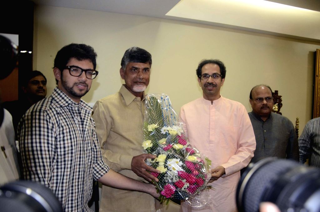 Chandra-babu-planning-to-form-third-front