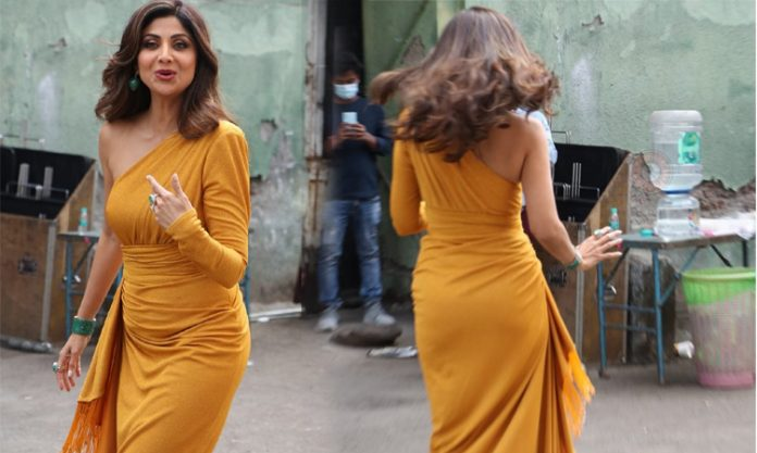 Shilpa Shetty Yellow Dress Images