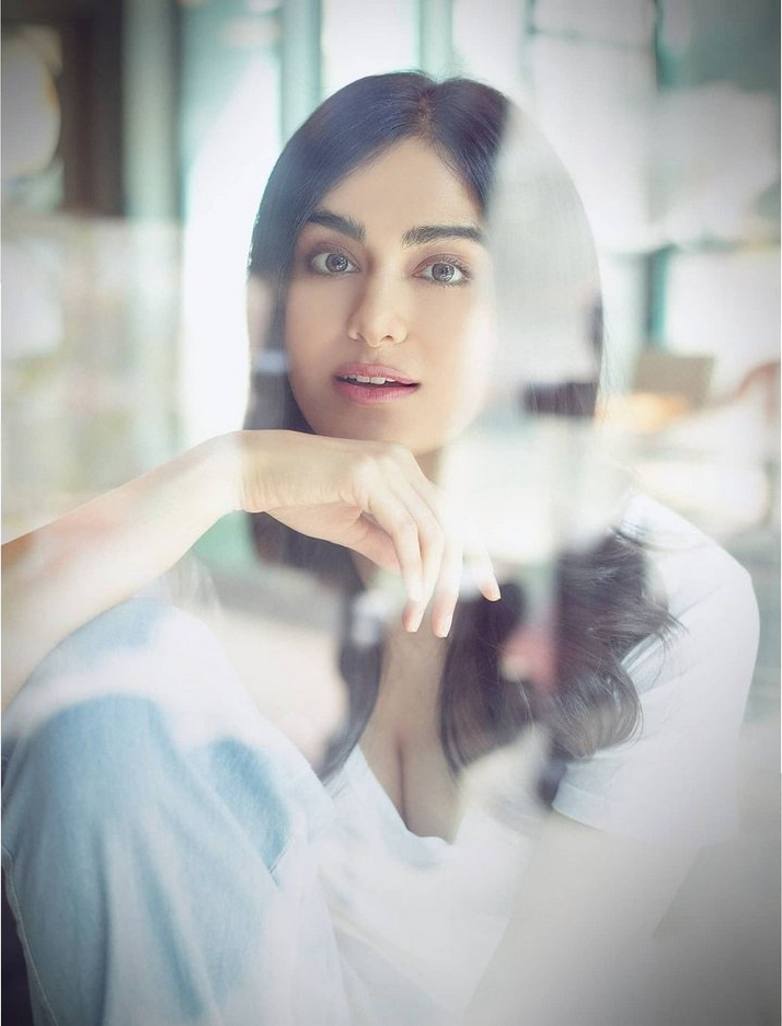 Adah Sharma Beautiful Pictures