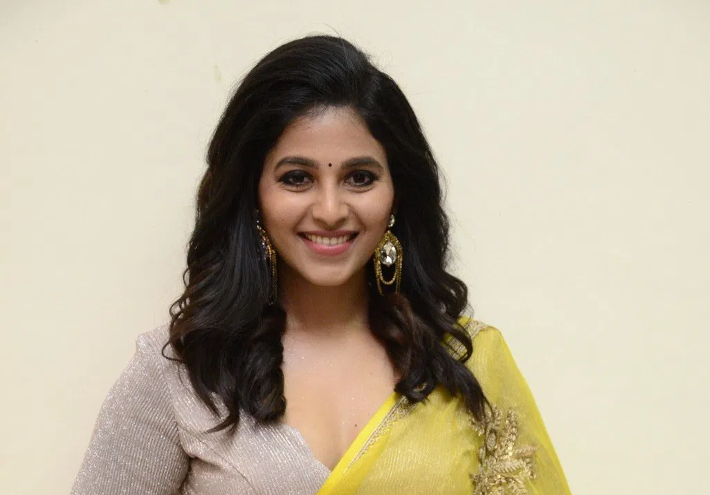 Actress Anjali Not Ready to Marry Soon