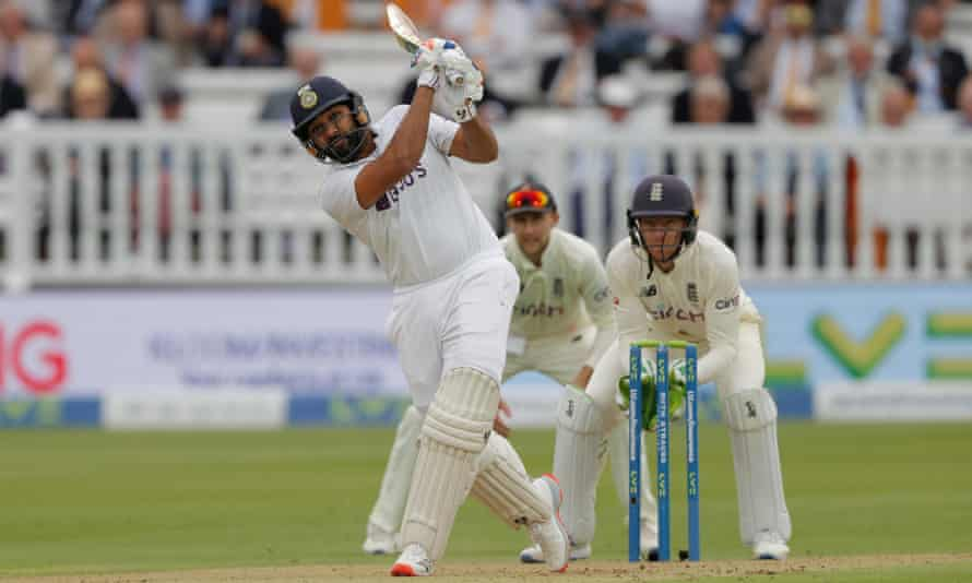 Rohit Sharma's Wicket Goes Out Controversial As wickets are completely Missing