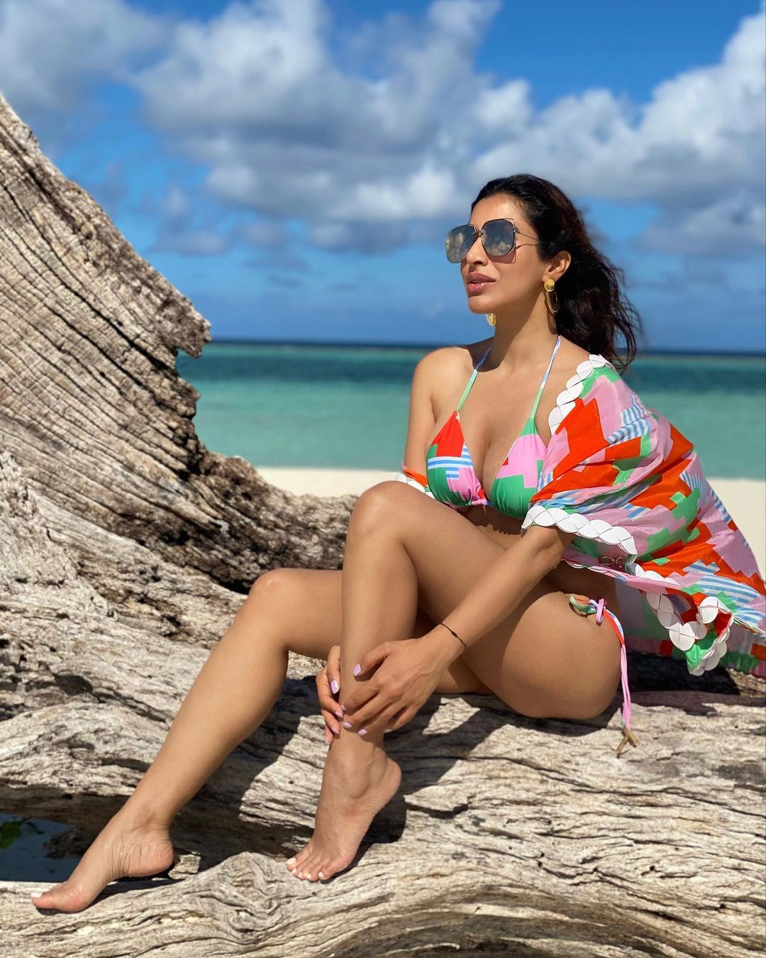Sophie Choudry Latest Hot Photos